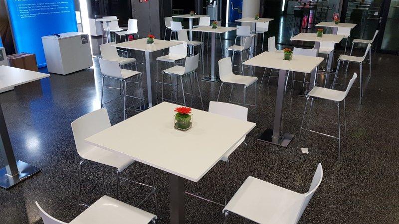 weißes Mobiliar mieten Frankfurt
